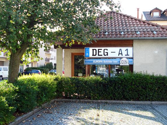 Schilderpartner für Autoschilder in Deggendorf